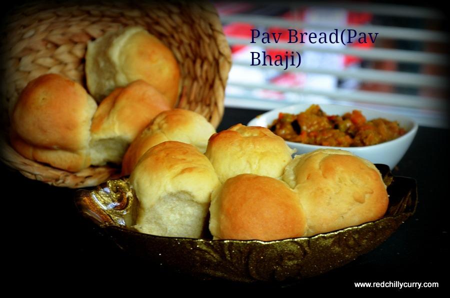 pav,homemade pav,homemade pav bread,pav bread,dinner roll,eggless bread,eggless dinner roll,eggless pav bread,eggless recipes,pav bhaji, how to make fluffy pav bread at home,homemade pav bhaji,pav bhaji